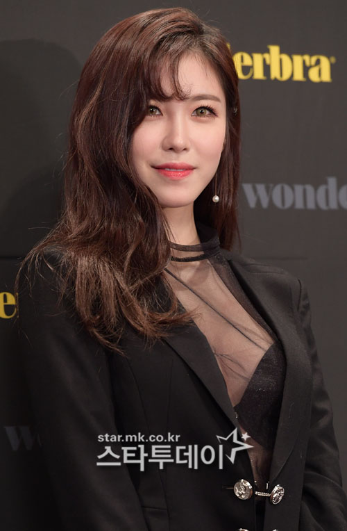 "Jeon Hyo-Seong, dispute of exclusive contract is ended in 2 years….""I'll reward with active activity""[official]"