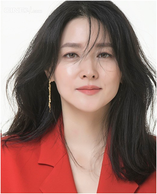 Lee, Young Ae, Alluring Beauty
