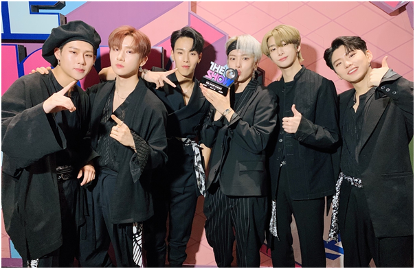 MONSTA X 'The Show' 1st place… Shining music walk in issue