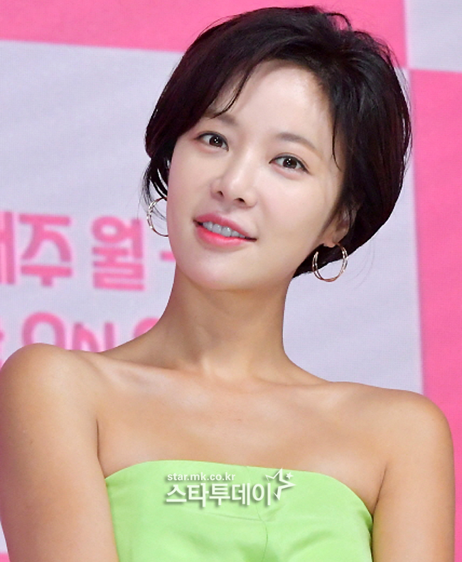 [Photo] Hwang Jeong-eum, still beautiful