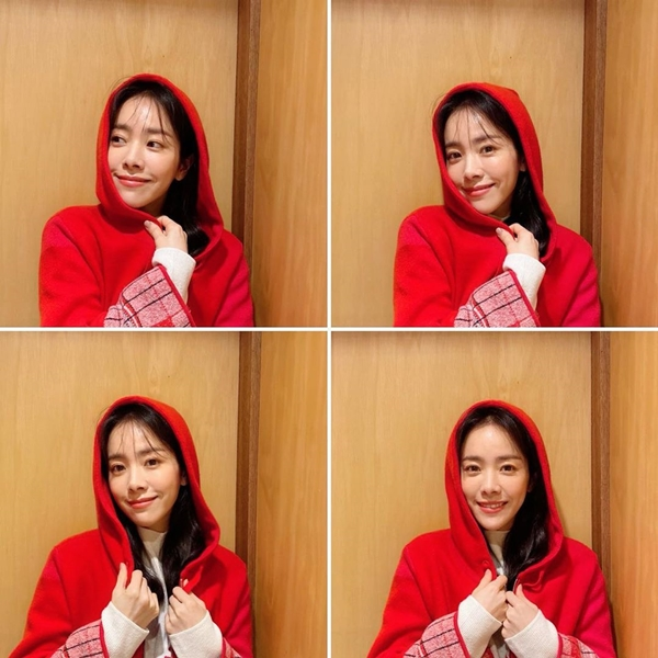 Han Ji-min, wearing red hooded sweatshirt, innocent beauty...