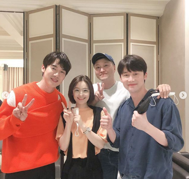 Yoo Yeon-Seok → Cho Jung-seok , Jeon Mi-do cheering for a musical surprise...