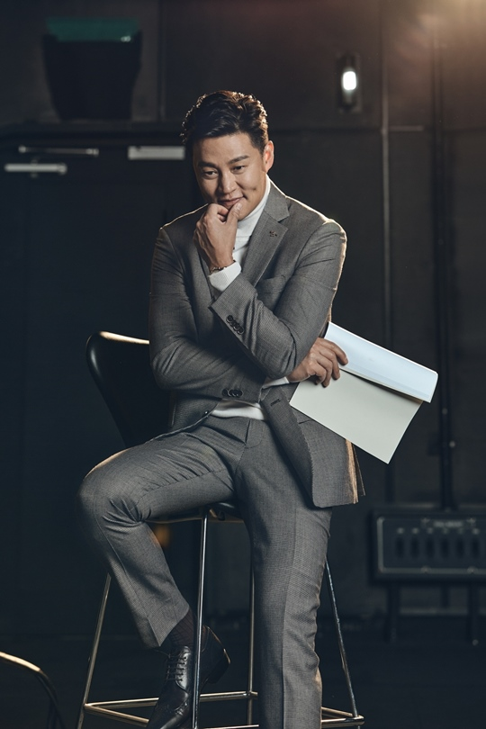 Lee Seo-jin, a dandy autumn man pictorial (ft. Dimple smile)