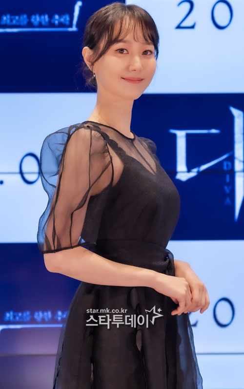[Photo] Lee Yoo-young, the ultimate in elegance