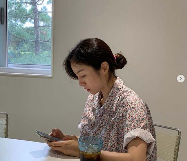 "'Lee Hwi-jae's wife' Moon Jung-won, gorgeous+ innocence in daily life...""You have to write it down carefully"""
