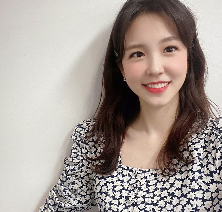 "Jang Ye-won gets off at 'Cine town', a cheering text message...""This makes me cry"""