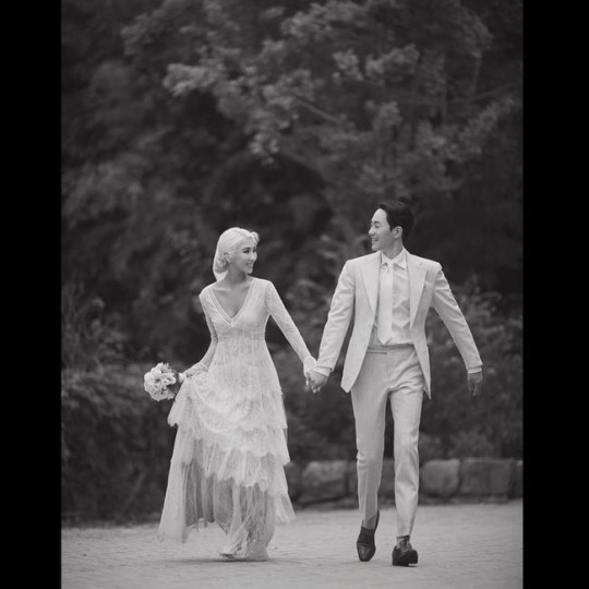 Giant Pink unveils wedding pictorial...'sorry' for marriage is postponed due to the Covid-19