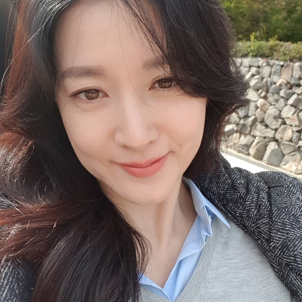 Lee Young-ae, 'unique elegance' that shines on the set