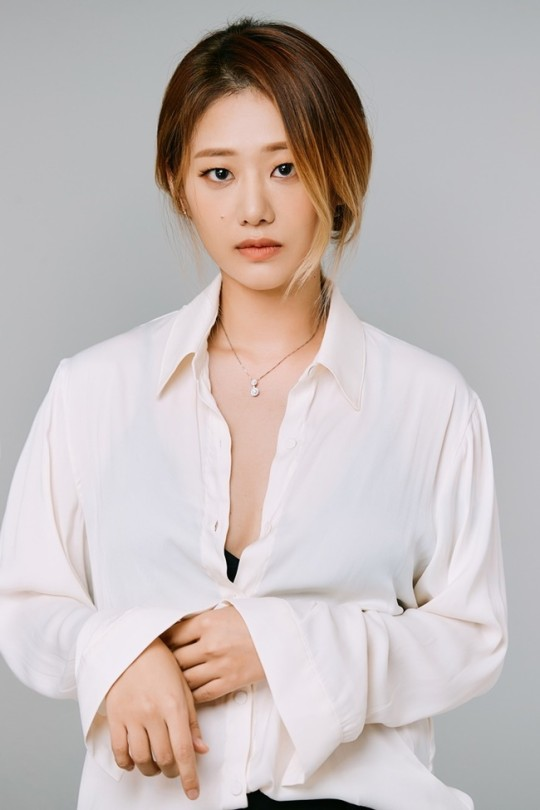 "'My Mother Is Having An Affair' Hyun Jyu-ni  ""The first lead role was heavy, but I ran into it."""