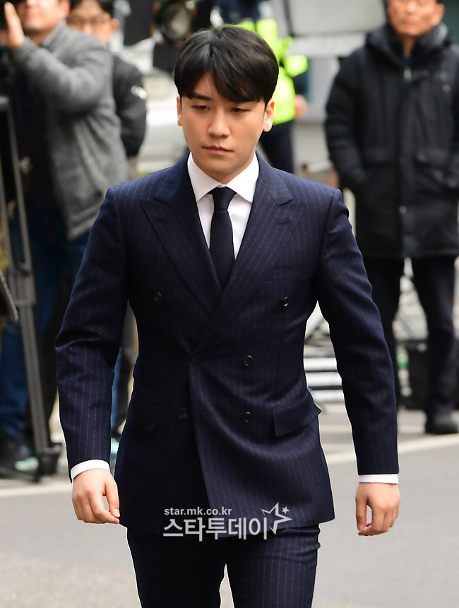 Seungri promoted to corporal while attending to a series of trials