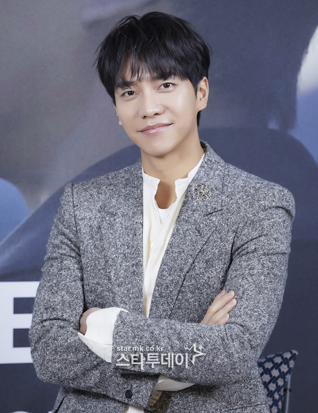 "[General] Singer Lee Seung-gi's comeback ""I want to hear praise for singing talent... The goal is 'Kim Na-bak'"""