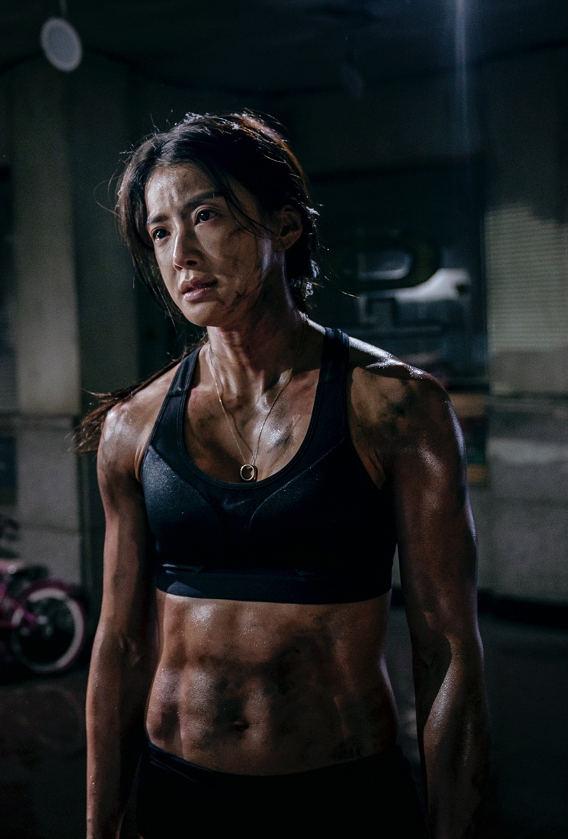'Sweet Home' Lee Si-young, 8% body fat... Non-replaceable Action Queen