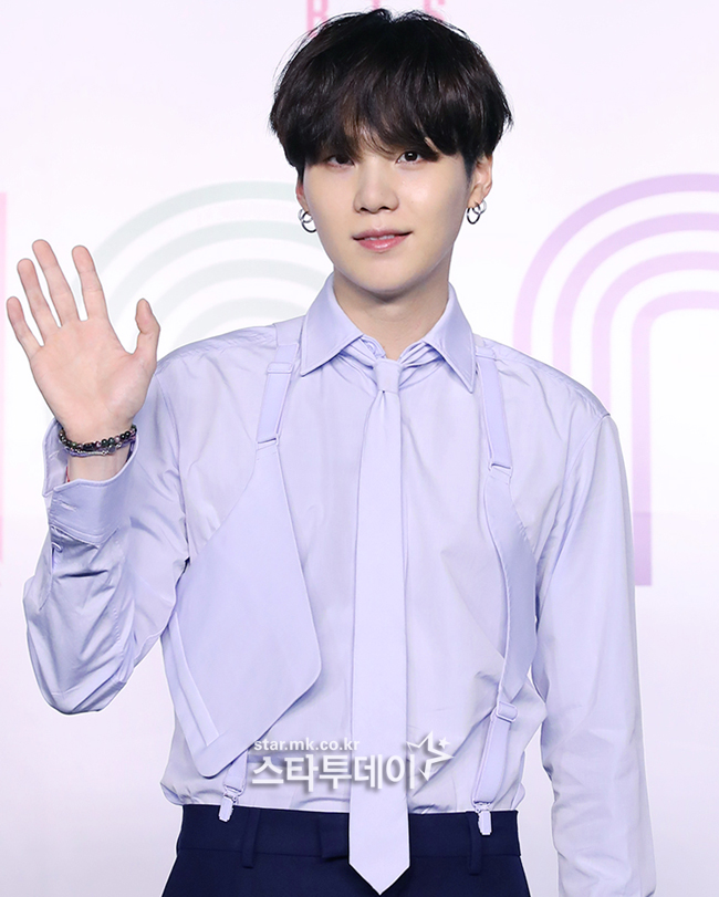 "'Shoulder Surgery' SUGA resumes BTS activities? Big Hit's ""Difficult to Check"""