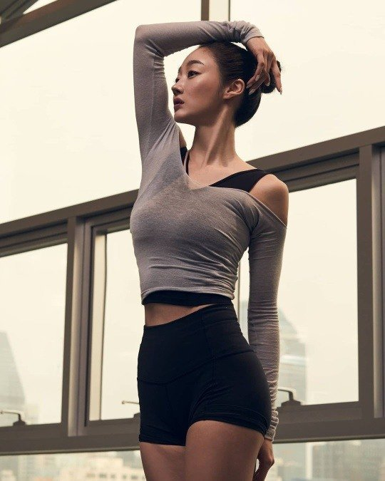 Choi Yeo-jin, beautiful body for decades, 'S line with abs'