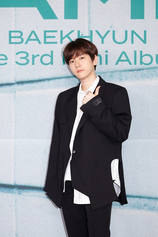 """Baekhyun """"New song 'Bambi' = My customized song...I try to get rid of my strength"""""""