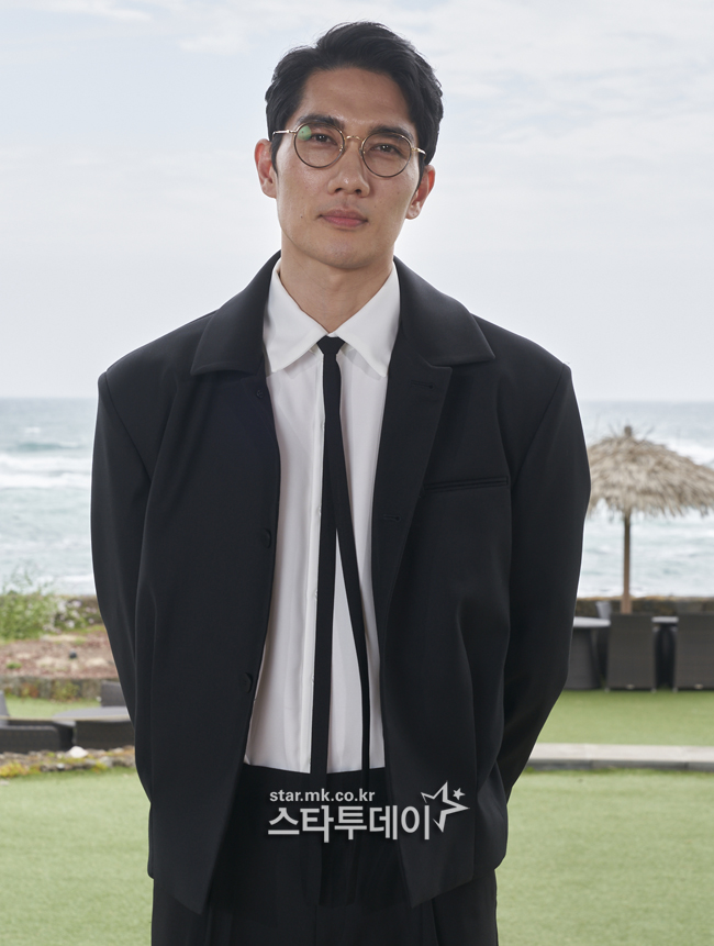 "'Night in Paradise' Uhm Tae-gu ""Increase 9kg for character"""