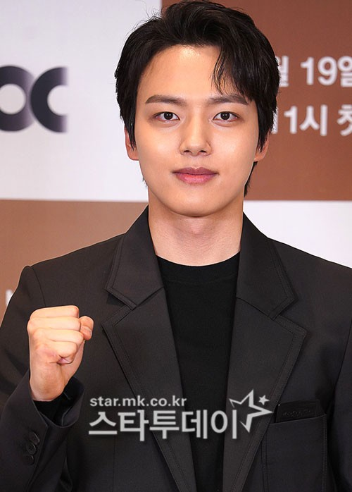 Yeo Jin-goo will be on the Mnet's new survival 'Girls Planet 999: Girls' War' as a host